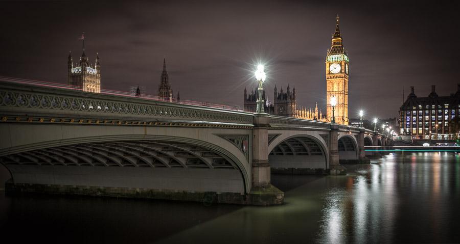 London-Never-Sleeps.jpg